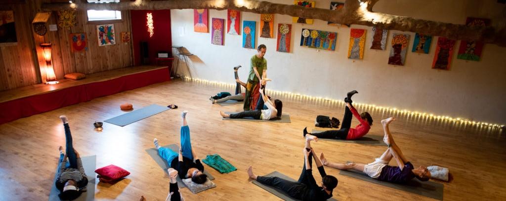 Bandeau cours de groupe - Ahimsa Yoga Toulouse et Launaguet