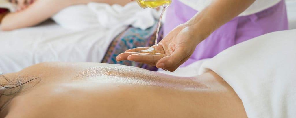 photo2 massage - Ahimsa Yoga Toulouse